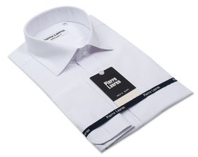 Белая мужская рубашка из структурной ткани