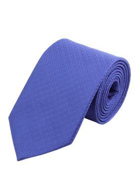 Светло-синий мужской галстук с геометрической текстурой. Галстук шириной 9 см у основания.
