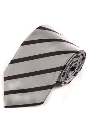 Оригинальный мужской галстук серого цвета в черную полоску из фактурной ткани
