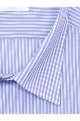 Мужская рубашка больших размеров c коротким рукавом.