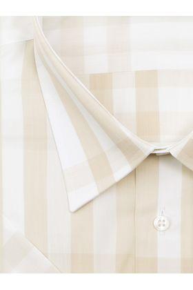 Песочно-бежевая мужская рубашка больших размеров c коротким рукавом.
