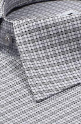 1168TSFK Приталенная мужская рубашка в серую клетку