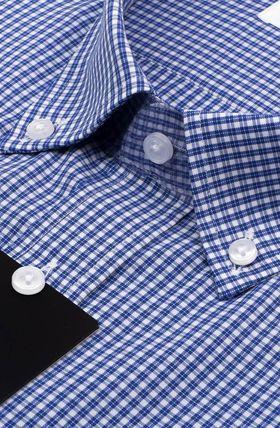 Приталенная мужская рубашка в синюю клетку с коротким рукавом